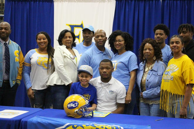 Blake Thompson signed with Southern