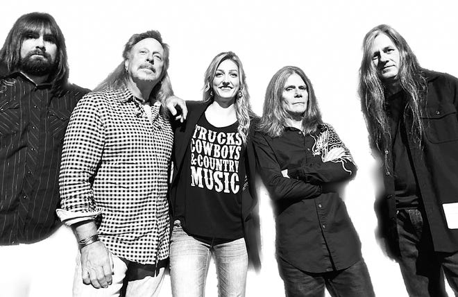 Twisted Trail will play Saturday night at The Dugout Sports Bar & Grill in downtown Hendersonville.