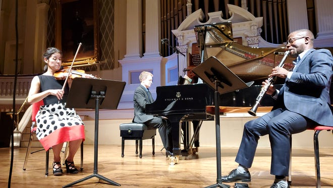 Jennifer Frautschi, Andrew Armstrong and Anthony McGill recorded their performance in Mechanics Hall in September for Music Worcester.