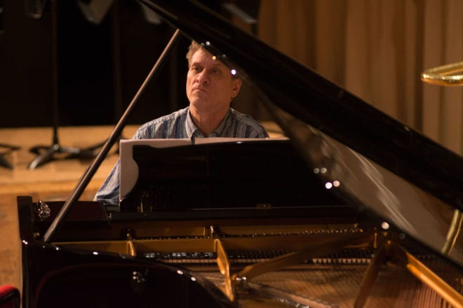 Pianist Randall Hodgkinson