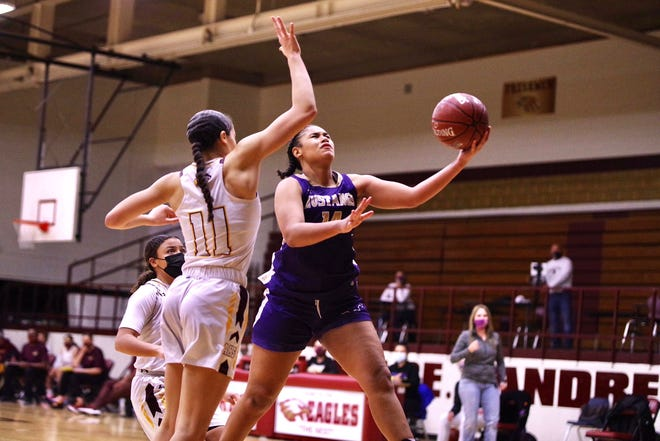 Andress beat Burges, 36-35, in a District 1-5A girls basketball showdown on Wednesday at Andress. The Eagles earned the No. 2 seed out of District 1-5A for start of playoffs next week.