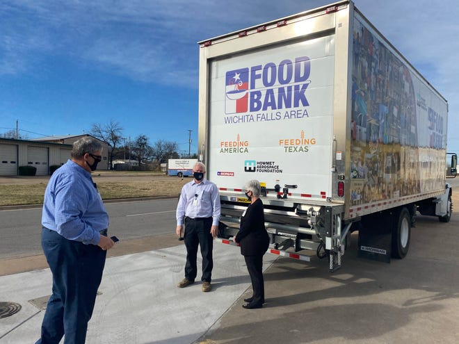As part of their COVID-19 relief grant program, Howmet Aerospace Foundation presented a $39,000 check to the Wichita Falls Area Food Bank, Feb. 2.