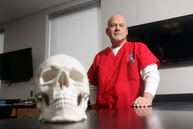 Steve Kish teaches anatomy and physiology at Zane State College. His circuitous path to becoming a professor at Zane State lead through three other institutions.