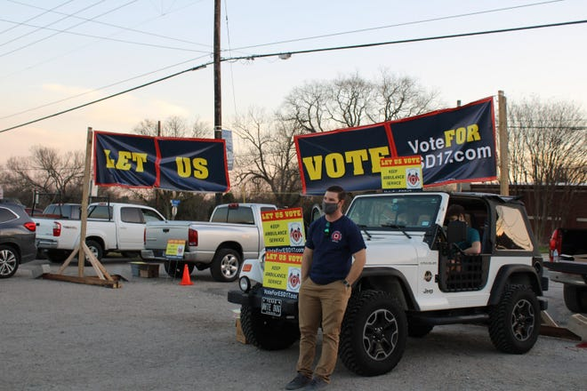 The Pflugerville Firefighters Association and residents held a rally during the Pflugerville City Council meeting on Tuesday, Jan. 26 in hopes to send a message to the council. The rally took place at El Rincon parking lot at 200 E. Pecan St. in Pflugerville.