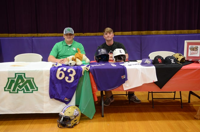 Ascension Catholic's Owen Smith (left) and Jacob Dunn (right).