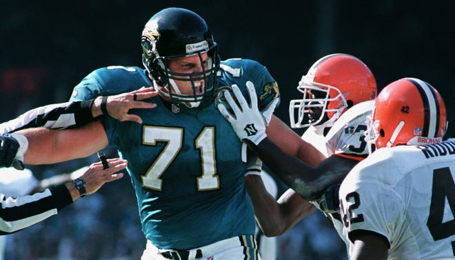 Former Jaguars' offensive tackle Tony Boselli (71), seen here in a 1995 game against the Cleveland Browns, is in his fifth straight year as a Pro Football Hall of Fame finalist. He and other long-tenured finalists John Lynch and Alan Faneca may benefit from a push by many HOF voters this year to get them into Canton.