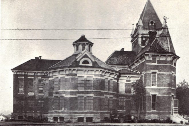 Grayson County Courthouse 1887