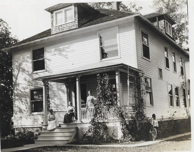 Sears Modern Home at 86 College Street, owned in 1930s by Minnie Peters