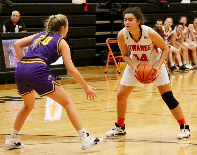 Kewanee senior center Ailynn Duarte (14) squares up Dec. 14, 2019, in a game against Farmington. She returns healthy after a leg injury limited her playing time in 2019-20.