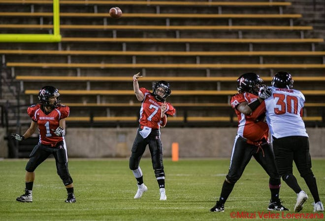 Allison Cahill throws a pass for the Boston Renegades.