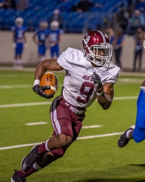 Red Oak senior running back Zach Sanders is one of 13 football players from the school to sign college letters of intent or commitment on Wednesday. Sanders is headed to Southern University at Shreveport and will be joined there by offensive line teammates Carlando Govan and Johnny Parker.