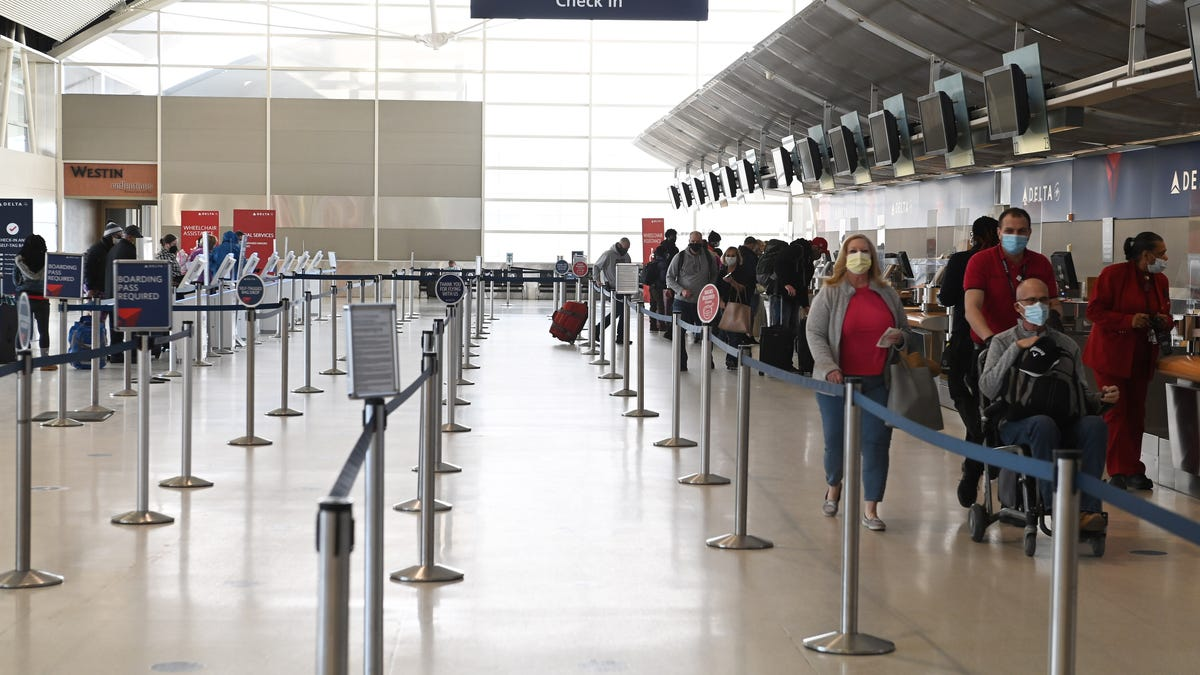 Delta cancels over 100 flights, 11 at Detroit Metro Airport, opens some middle seats 1