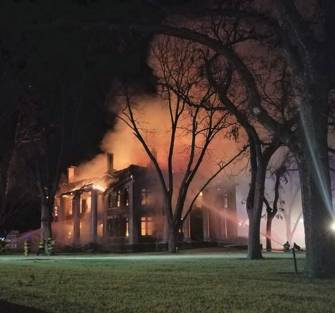 Mason Courthouse caught fire late night on Feb. 4, 2021.