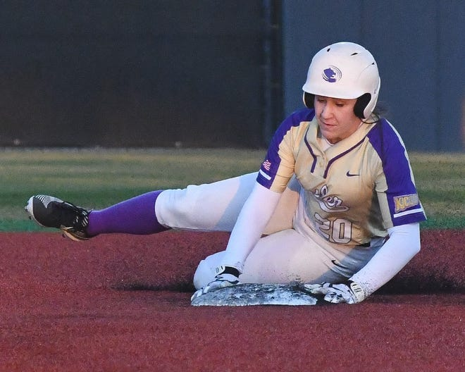 Butler's Halle Hale steals second base during the Grizzlies' 5-4 loss to North Central Texas on Friday in Denison, Texas.