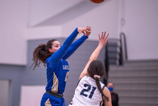 San Elizario player Victoria Perez shoots the ball. Mountain View High School defeated San Elizario High School 40-32 in 1-4A varsity girls basketball at the Horizon High School gym on Feb. 5, 2021.