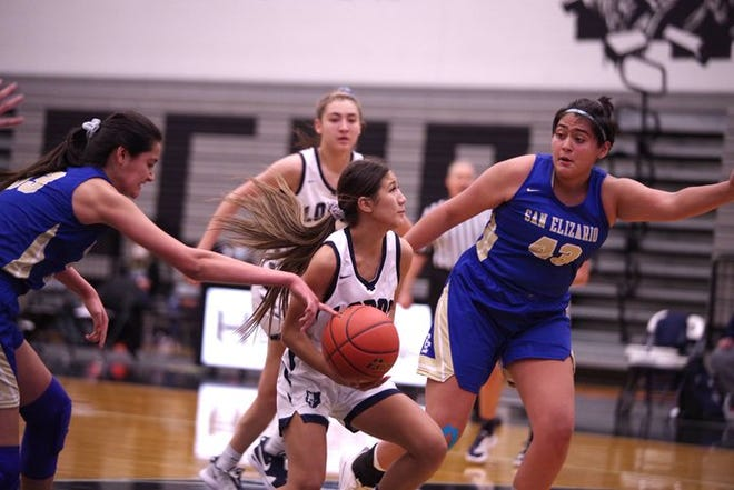 Mountain View beat San Elizario, 40-32, on Friday night at Horizon HS. The Lobos are 16-1 on the year and will be the No. 1 seed out of District 1-4A for the girls state basketball playoffs.