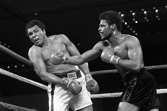 Leon Spinks, right, defeated Muhammad Ali by decision in a 15-round fight in 1978 to win the heavyweight title.