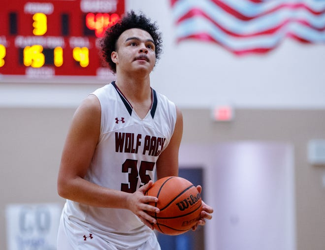 Cameron Jackson, a freshman post, helped the Wolves go 4-0 on the week with solid performances in every contest. He scored 25 points in a win over Cedar Creek and had 16 points against Connally as Weiss clinched a playoff spot.