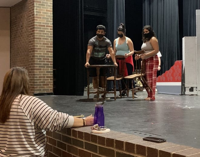 """Brownwood High School's Theatre Department is performing """"The Sweet Science of Bruising"""" as its One-Act  Play for 2021."""