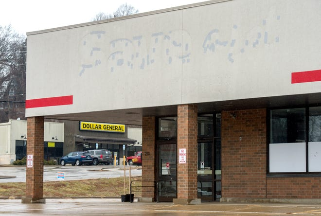 Pastor Charles Brown is bringing a new grocery to this site, across South Western Avenue from Dollar General. The building has been empty since Save-A-Lot closed in 2017, less than a year after opening in what long had been an Aldi supermarket.