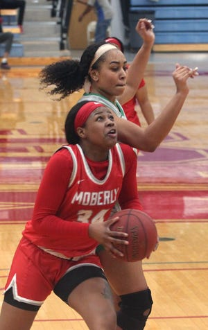 Moberly Lady Greyhounds sophomore B'Aunce Carter  (#34) scored 10 points and had eight rebounds Saturday afternoon during Moberly Area Community College women's basketball team's 59-58 loss at Illinois Central CC in Peoria, Ill.