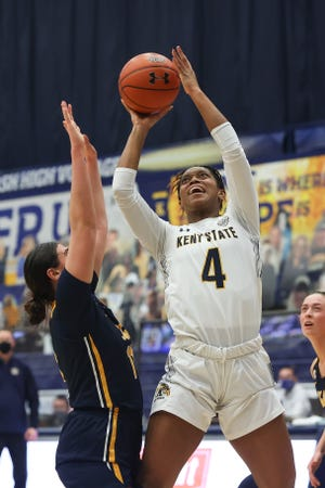 Kent State sophomore forward Nila Blackford posted her fifth straight double-double in Wednesday's loss at Western Michigan.
