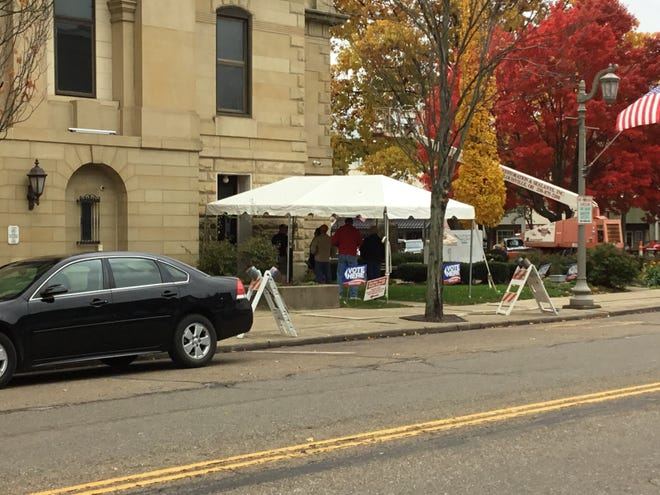The entrance to election site in the Tuscarawas County Courthouse.