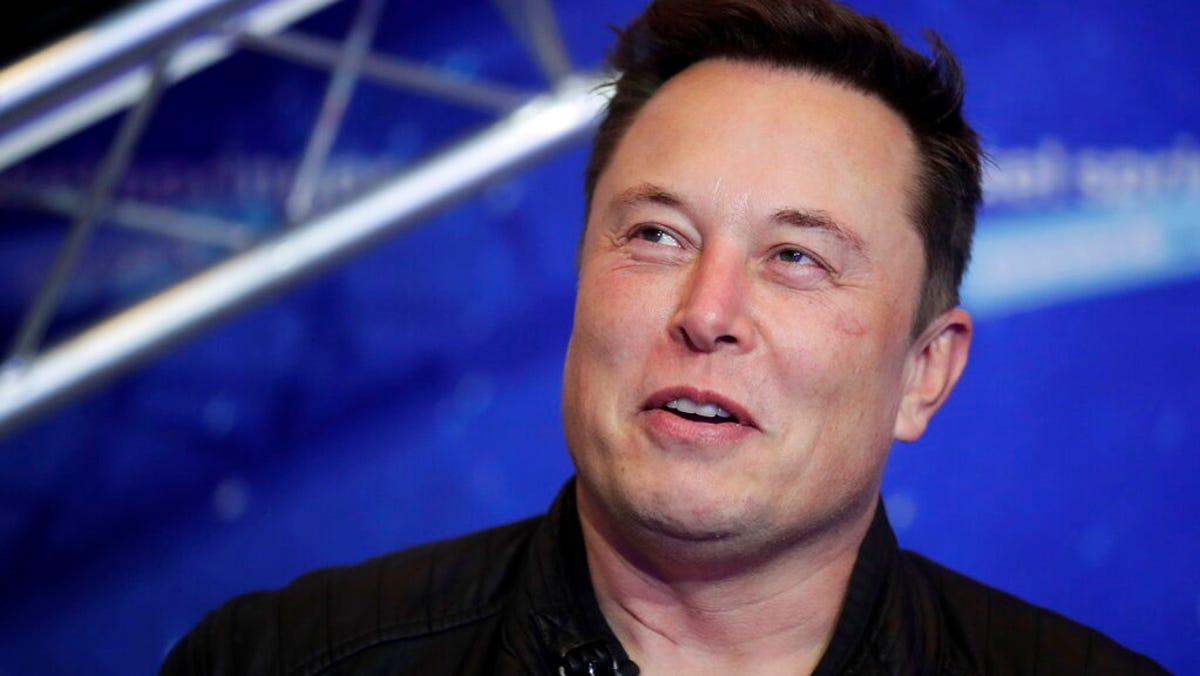 Tesla CEO Elon Musk adding SNL hosting job to his to-do list 1