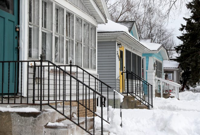 A group of seven Bay View homes would become a Milwaukee historic district under a proposal endorsed by the city Historic Preservation Commission.