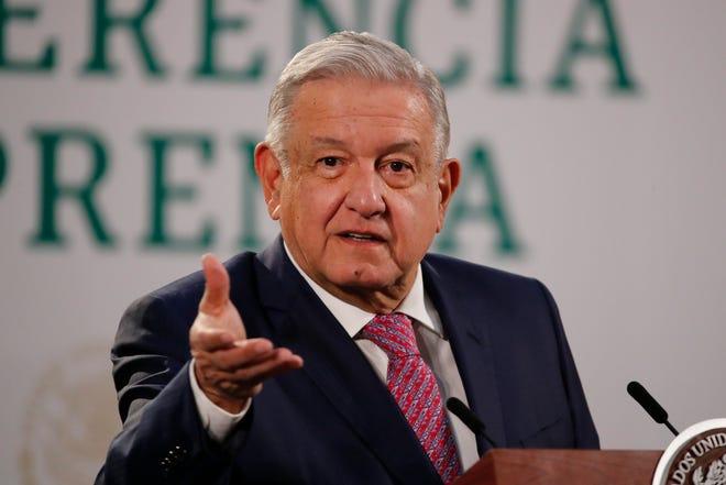 Fotografía de este lunes del presidente mexicano, Andrés Manuel López Obrador durante su conferencia de prensa matutina en Palacio Nacional.