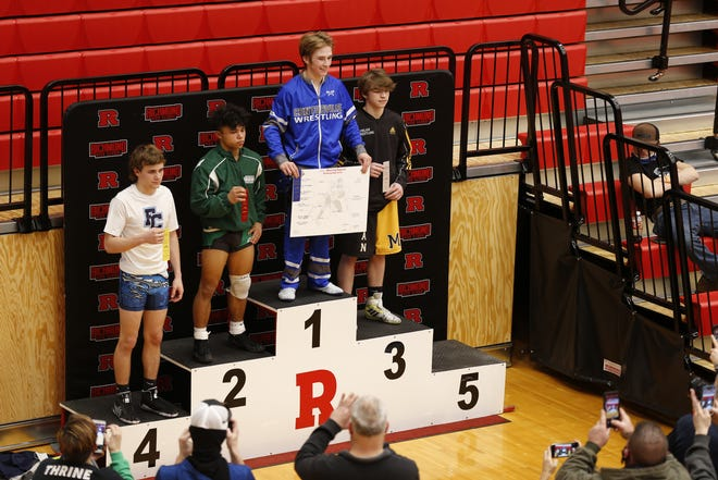Centerville junior Devin Frazier wins 2021 regional championship for the 132 lbs. division at the Tiernan Center.