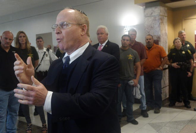 Attorney David Schoen speaks Jan. 6, 2016 at the Broward County Courthouse in Fort Lauderdale, Fla.