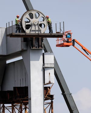 The Coast Guard ordered Kaukauna to finish repairs on the Veterans Memorial Bridge vertical lift by May 1. The bridge requires new motors, which will be installed when the weather warms up.