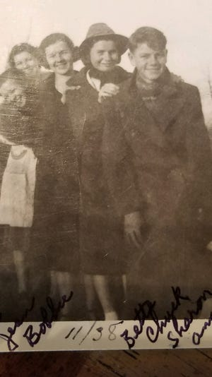 Jean Coppins was the second oldest of seven children born to Robert and Minnie Gorsline in East Detroit, Mich. Bobbie Snider was the third.