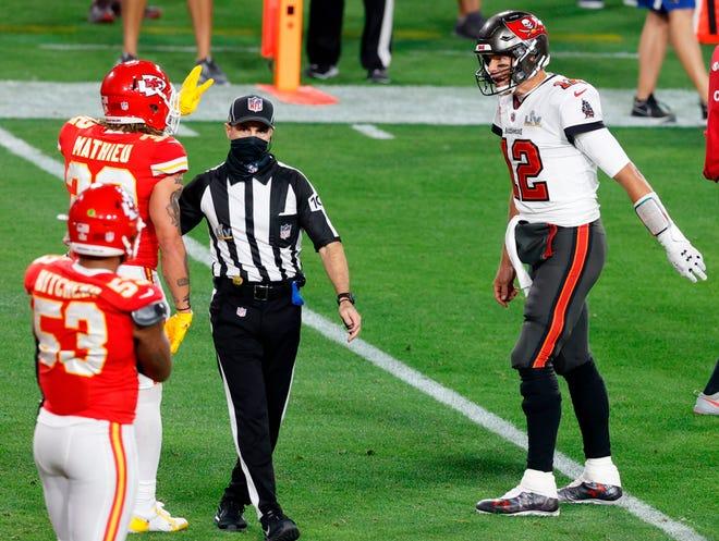 Durante el partido, Brady y Mathieu se enfrentaron varias veces. En un momento, Brady incluso lo persiguió y se le lanzó a la cara.