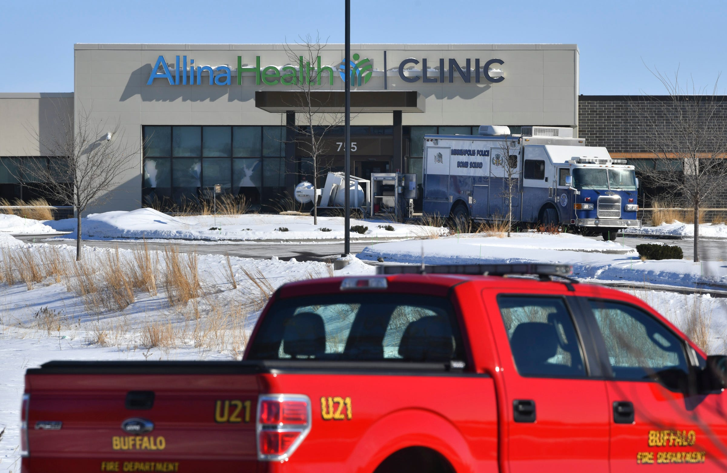Gunman kills one, injures four at Minnesota clinic; cops say suspect  unhappy with medical care