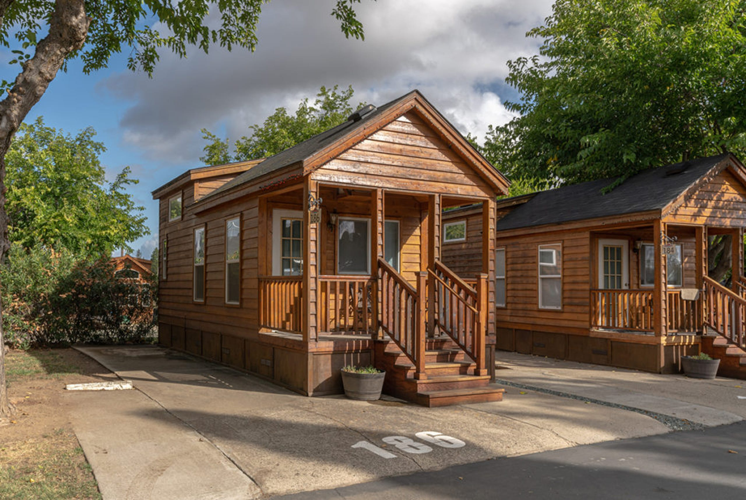 <strong>8. 49er Village RV Resort (Plymouth, California)</strong><br /> Guests at this Sacramento-area resort can take a dip in the swimming pools and hot tub, enjoy a game of shuffleboard, horseshoes or billiards. It has 2,691&nbsp;advance reservations for 2021.&nbsp;