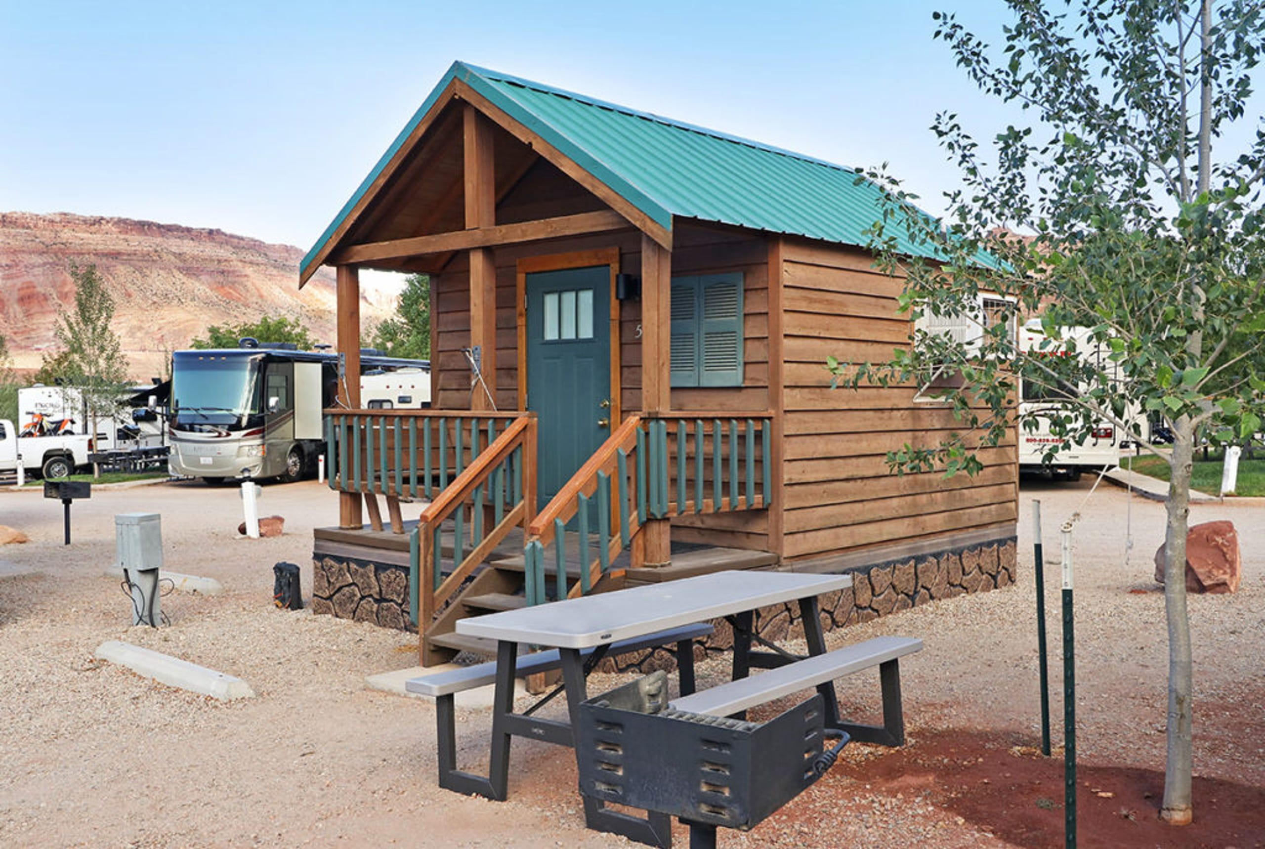 <strong>10. Moab Valley RV Resort &amp; Campground (Moab, Utah)</strong><br /> Lodgers can stay at one of the RV sites, tent sites, or vacation rentals, including a vintage Airstream trailer. It has 2,511&nbsp;advance reservations for 2021.&nbsp;<br /> &nbsp;