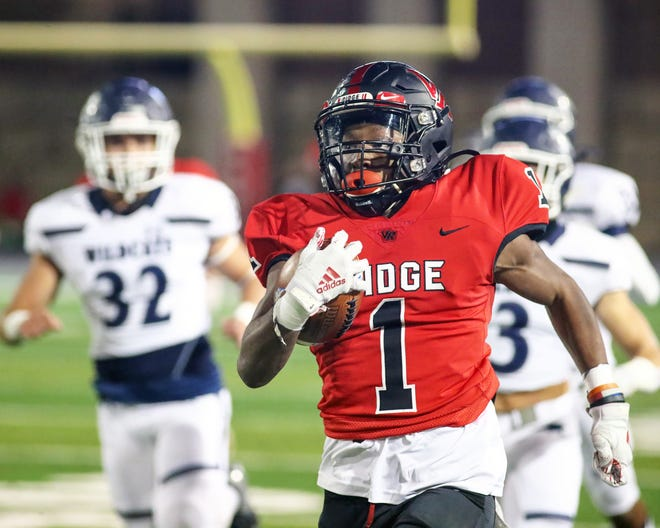 Vista Ridge senior Emon Allen, breaking free for a 97-yard touchdown run against Tomball Memorial in a playoff game, has been a triple threat for the Rangers as a receiver and a cornerback and on special teams.