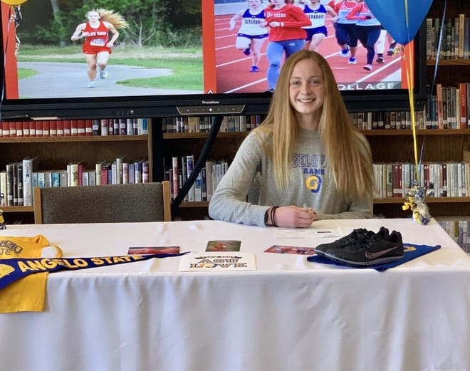 Glen Rose senior Jocelyn Mims signed a national letter of intent last Friday to run track and cross country at Angelo State University.