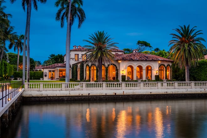 A Mediterranean-style house facing the Lake Worth Lagoon at 790 S. County Road in the Estate Section of Palm Beach has just changed hands for a recorded $30.985 million.