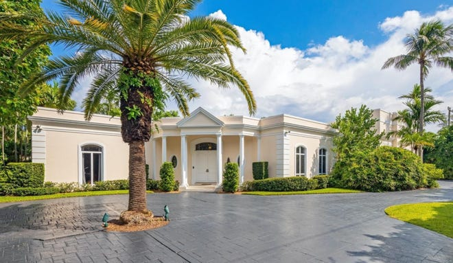 Built in 1986 in the Palm Beach Regency style, a custom home at 150 El Vedado Road has sold for a recorded $8.875 million in the Estate Section of Palm Beach.