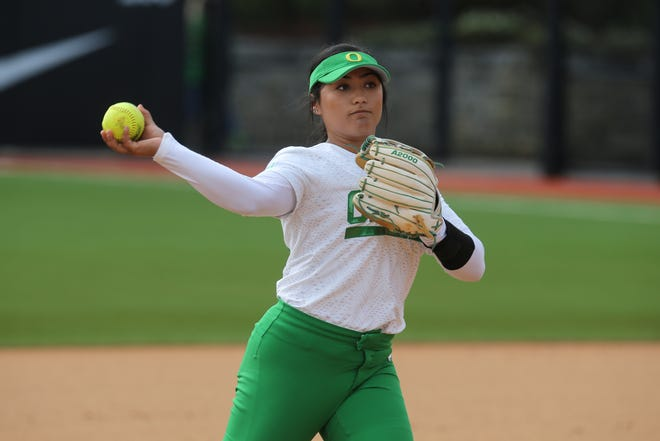 Third baseman Rachel Cid had a double and two RBIs during No. 10 Oregon's 10-2 win over Fresno State on Saturday.