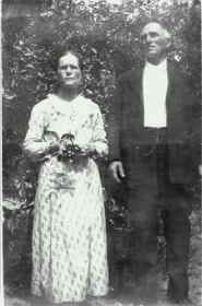 A great-great-granddaughter is searching for the family history of Cora Cobb, shown here with her husband, Elijah.