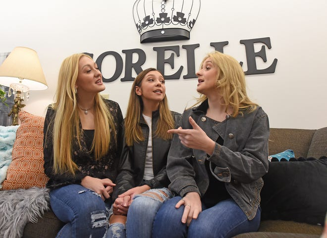 Madi, Bella and Ana Heichel make up the singing group Sorelle. The trio have performed on America's Most Musical Family on Nickelodeon.