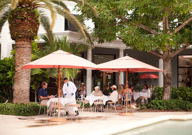 The Planning and Zoning Commission is evaluating a plan to expand outdoor seating at restaurants in town, such as at Sant Ambroeus. [MEGHAN MCCARTHY/palmbeachdailynews.com]