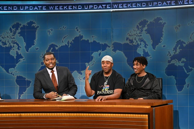 "Weekend Update host Michael Che talks to the TwinsthenewTrend brothers (Kenan Thompson and Chris Redd) on the Feb. 6 episode of ""Saturday Night Live."" Thompson and Redd play brothers on the new NBC sitcom, ""Kenan."""