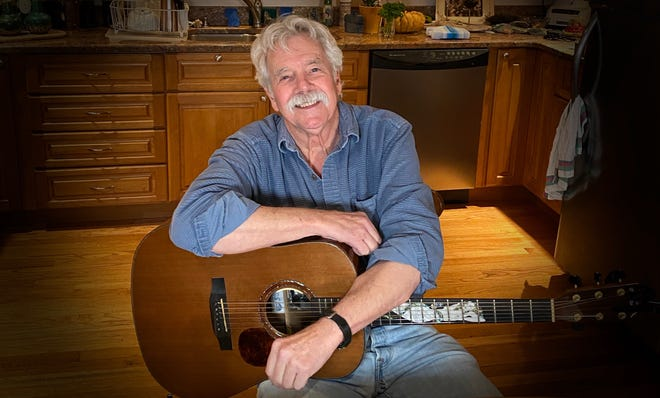 After struggling with COVID-19 and its after-effects, veteran singer-songwriter Tom Rush, 80, has started a new video way to share his music via Patreon from his Rockport kitchen.