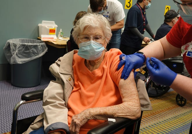 102-year-old thankful to receive COVID-19 vaccination