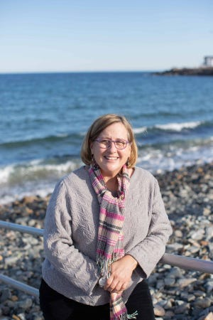 Anne Pope has been active in the Maine and New Hampshire real estate communities for the last 16 years.